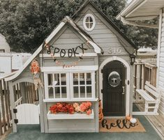Inexpensive ways to make your playhouse look special Playhouse Decor, Backyard Playhouse, Girls Playhouse, Little Tikes Playhouse, Playhouse Ideas, Backyard Playground, Cubby Houses, Play Houses, Big Playhouses