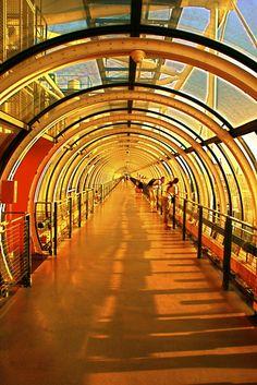 Centro Georges Pompidou em Paris desenhado pelo arquiteto italiano Renzo Piano e pelo arquiteto britânico Richard Rogers.