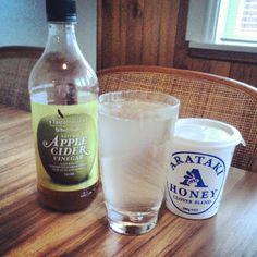 Apple cider vinegar and honey drink- great for liver cleansing and debloating! Emma Jane Gems