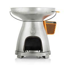 Grillen, kochen, wärmen und Strom erzeugen. Mit demBioLite BaseCamp kann man dem Alltag entfliehen und bei Bedarf doch Kontakt mit dem Rest der Welt halten. Der mit Holz befeuerte Grill ist nämlic...