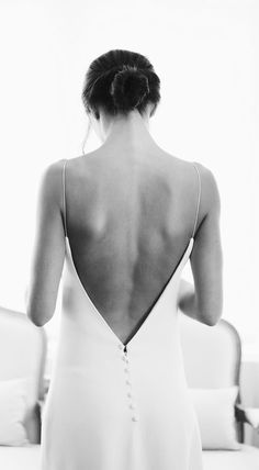 28 Apr 2020 - Aesthete Label love - Laure de Sagazan, Minimal bridal dress, simple, chic with button detail in the back of wedding dress Sexy Backless Mermaid Wedding Dresses 2020 Wedding Dress Empire, Minimal Wedding Dress, Wedding Dress Backs, Wedding Gowns, Minimal Dress, Backless Wedding, Backless Gown, Laura Lee, Minimalist Wedding