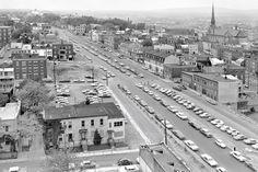 Le boulevard René-Lévesque en 1965 Photo Vintage, Vintage Photos, Photos Du, Old Photos, Chute Montmorency, Chateau Frontenac, Le Petit Champlain, Old Montreal, Canada