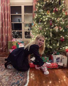 Merry Christmas XO – The Emma Roberts Effect Emma Roberts Style, Blake Steven, Billie Lourd, Emma Rose, Felicity Jones, Amanda Seyfried, American Horror Story, Kendall Jenner, Pretty People