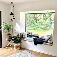 Walk in! 5 new apartment insights on SoLebIch - Come on in! 5 new . - Walk in! 5 new apartment insights on SoLebIch – Come on in! 5 new apartment insights on SoLebIch - Sala Indiana, Living Room Decor, Bedroom Decor, Indian Living Rooms, Inside Design, Modern House Design, Home Interior Design, Family Room, Sweet Home