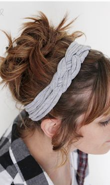 A simple sewing project - make your own tied Fabric Knotted Headband. A step-by-step tutorial to walk you through making one for yourself.