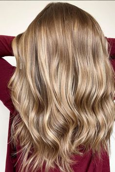 These Dark Blonde Color Ideas Are Low-Maintenance Goals Hair Color dark blonde hair color Low Light Hair Color, Cool Hair Color, Hair Colors, Dark Blonde Hair Color, Hair Color Highlights, Dark Blonde Hair With Highlights, Darker Blonde, Highlighted Blonde Hair, Golden Hair Color