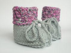 Strick- & Häkelschuhe - Babyschuhe gestrickt - extrawarm Herbst Winter - ein Designerstück von ellyshop bei DaWanda