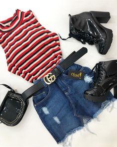 Quem foi que pediu look com saias nas enquetes dos stores ⁉️ ❤️ #lookcloset #lookdodia #fashion #closetinspira #closetgirl . 💰blusa apenas…
