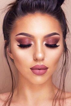 20+ Hottest Smokey Eye Makeup Ideas 2018 #makeup #makeuplover #makeupjunkie