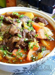Sup tulang chef wan Malaysian Cuisine, Malaysian Food, Malaysian Recipes, Asian Lamb Recipe, Chef Wan, Oxtail Soup, Stew, Nyonya Food, Meat Recipes