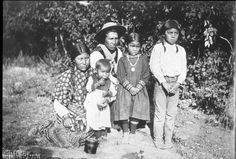 Spokane family, Washington, ca. 1899