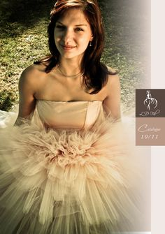 Couverture de catalogue de robes de mariées