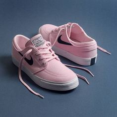 New sneakers outfit nike pink Ideas Sneaker Outfits, Converse Sneaker, Sneaker Heels, Nike Outfits, Tenis Janoski, Tenis Nike Stefan Janoski, Nike Sb Janoski, Cute Sneakers, New Sneakers