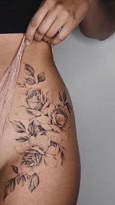 Fantastic Absolutely free Hip Tattoo Concepts With very little ink and trac Hip Thigh Tattoos, Floral Thigh Tattoos, Flower Tattoos, Rose Hip Tattoos, Tattoo Ideas Flower, Cute Small Tattoos, Pretty Tattoos, Cute Tattoos, Music Tattoos