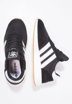 03491ad257b INIKI RUNNER - Sneakers laag - core black white   Zalando.be 🛒. Schoenen  adidas ...