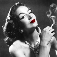 Maria Felix, simply exquisite...