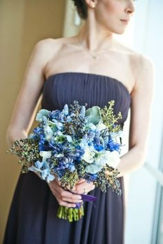 This lighter blue bouquet against navy is actually quite a nice contract in colour