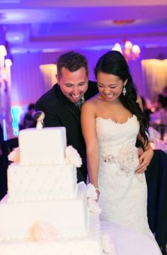 Congrats to the newlyweds! Hope you enjoyed the cake! #carlosbakery Photo credit: Amy Rizzuto