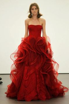 Vera Wang Red Wedding Gown - Based on your venue deal, there could be a few limitations with regards to the sort of decor it is possible to generate or Red Wedding Dresses, Wedding Dress Styles, Bridesmaid Dresses, Cream Bridesmaids, Beautiful Gowns, Beautiful Outfits, Gorgeous Dress, Stunningly Beautiful, Absolutely Stunning