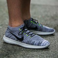 b0d4244dcb0b8c NIKE FREE RN MOTION FLYKNIT Nike Exclusive