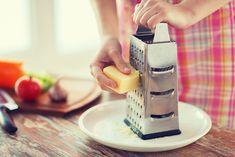 Μα καλά πώς να χρησιμοποιήσει κάποιος λάθος ένα τόσο απλό εργαλείο κουζίνας; Η απάντησε σε ένα αποκαλυπτικό βίντεο!
