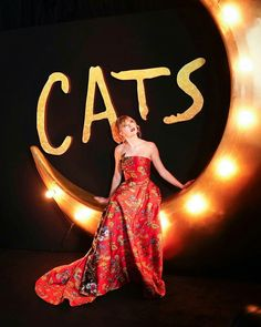 This dress is one of my fav ones she has ever worn LOOK AT HER😍 __________________________ Taylor Swift Cat, Live Taylor, Taylor Swift Style, Taylor Alison Swift, Marilyn Monroe And Audrey Hepburn, Cat Movie, Taylor Swift Wallpaper, Taylors, Celebs