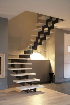 Modern Staircase, Staircase Design, Restaurant Interior Design, Modern Interior Design, Long Side Table, Open Trap, House Inside, Industrial Loft, Pool Houses