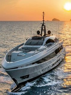Yacht renting will make it significantly increasingly exceptional. In this article, we are going to give you a couple of tips that can enable you to rent a decent yacht. Yachting Club, Bateau Yacht, Future Transportation, Luxury Yachts, Luxury Boats, Yacht Boat, Super Yachts, Speed Boats, Catamaran