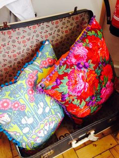 Stunning feather cushions  http://www.brombles-handmadewithlove.co.uk/about-brombles/4564743466