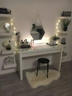 dream rooms for women ~ dream rooms . dream rooms for adults . dream rooms for women . dream rooms for couples . dream rooms for adults bedrooms . dream rooms for adults small spaces Cute Bedroom Ideas, Cute Room Decor, Girl Bedroom Designs, Room Ideas Bedroom, Teen Room Decor, Bedroom Inspo, Bedroom Desk, Budget Bedroom, Girly Bedroom Decor