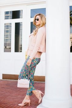 Printed pants can really make you look different, in stylish way. Although such pants can make you look different and unique, there is some basic guidance that you need to aware so your style won't be too much.