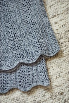 Beautiful Baby Blanket - I would knit this.