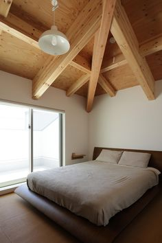 Image 17 of 20 from gallery of House in Taisei / Kazuto Nishi Architects. Photograph by Kai Nakamura Architect House, Bunk Beds, Sleep, Gallery, Architects, Furniture, Wine Country, Bedrooms, Home Decor