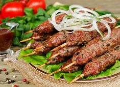 Kebab of minced meat (beef) Seekh Kebab Recipes, Shish Kebab, Mince Recipes, Healthy Recipes, Satay Recipe, Pain Pita, Kebabs On The Grill, Meat Chickens, Middle Eastern Recipes