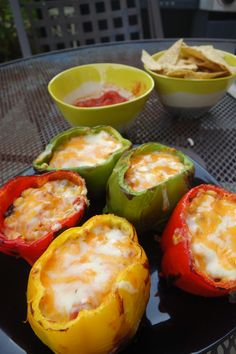 I love Mexican food! If it wasn't so calorie laden I would eat nachos and enchiladas everyday! I have made stuffed peppers a few times with different types of fillings, like turkey or vegetar… Mexican Dishes, Mexican Food Recipes, Beef Recipes, Cooking Recipes, Healthy Recipes, Healthy Eats, Mexican Cooking, Healthy Foods, Gastronomia