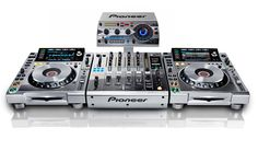 Platinum Collection: CDJ-2000NXS-M, DJM-900NXS-M and RMX-1000-M limited production.