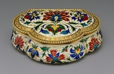 Box, ca. 1875 French Gold and enamel