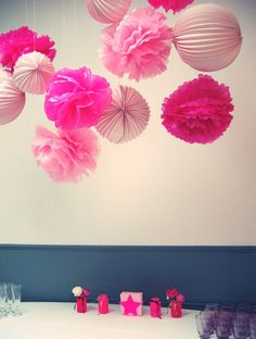 Poms poms suspendus  #pink #lampion #color #pompom #home #deco #party #birthday #wedding