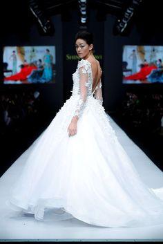 Shinta Dewi, Spring-Summer 2017, Jakarta, Womenswear Jakarta Fashion Week, Business Fashion, Women Wear, Spring Summer, Wedding Dresses, Bride Dresses, Bridal Gowns, Wedding Dressses, Weding Dresses
