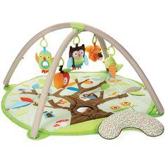 Le Tapis d'éveil Treetop friends de Skip Hop est un grand tapis qui peut être utilisé avec ou sans les arches.