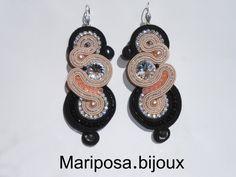 """Mod.""""Chanel ALLURE"""" realizzati con Cabochon Swarovski Crystal.Perle Rosa di Tenerife.Strass Crystal.Pietre Crystal Black e Pink Peach.Soutache Nero e Rosa Cipria."""