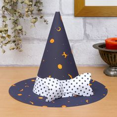 PAPERMAU: Halloween Special - Miniature Wearable Witch's Hat Papercraft by Putgram & Minya Halloween Masks Kids, Diy Halloween Gifts, Halloween Paper Crafts, Manualidades Halloween, Paper Crafts For Kids, Paper Crafting, Origami Halloween Decorations, Paper Decorations, Halloween Treat Holders