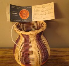 Cherokee Vase Basket by Ollie L. Bigwitch, Honeysuckle Vines with Walnut Dyes and Free Shipping