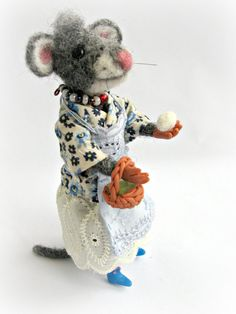 Needle Felted Art Gray Mouse with Easter basket