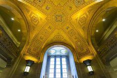 The Royal Ontario Museum (ROM) Toronto Ontario Canada  www.alamy.com/image-details-popup.asp?ARef=G0N9TH  #ceiling #mosaic #interior #old #entrance #toronto #canada #ontario #museum #royal #architecture #building #art #windows #rom #yellow #geometrical #light #landmark #arts #design #decoration #patterns #sandstone #sunshine #lights #sunlight #gallery #summer #daytime