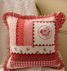 Redwork and patchwork Cushions To Make, Scatter Cushions, Pin Cushions, Throw Pillows, Patchwork Cushion, Quilted Pillow, Fabric Crafts, Sewing Crafts, Sewing Projects
