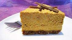 Raw Vegan Pumpkin Cheesecake (Remember to make coconut milk whipped cream for the topping) Raw Vegan Cheesecake, Raw Vegan Desserts, Raw Vegan Recipes, Vegan Dessert Recipes, Pumpkin Cheesecake, Vegan Sweets, Vegan Foods, Vegan Raw, Vegan Pumpkin