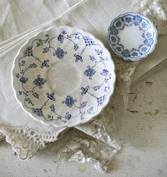 vintage plates - I have a really soft spot for blue & white crockery