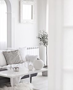 MaisonsBlanches  credit: whitehomeinspo