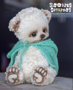 Kap by Evgenia Aksenova Soft Heels, Love Crochet, New Baby Products, Wool, Artist, Handmade, Animals, Teddy Bears, Smile